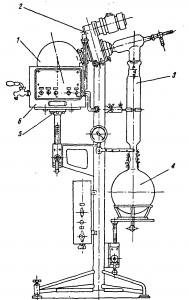 Рис. 18. Ротационный вакуумный выпарной аппарат.